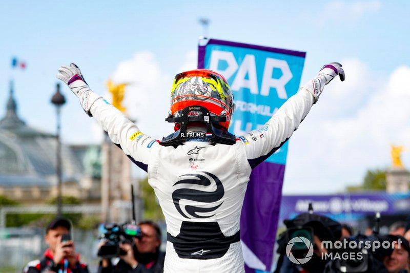 Il vincitore della gara Robin Frijns, Envision Virgin Racing, Audi e-tron FE05