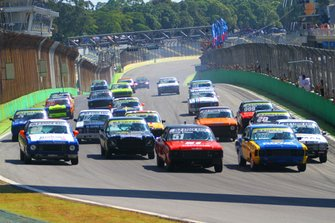 Carros da Old Stock Race