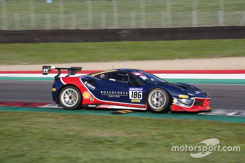 #186 Ferrari 488 Challenge, Rossocorsa: Agata Smolka