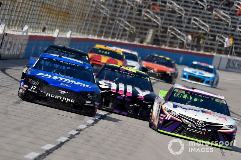 Ricky Stenhouse Jr., Roush Fenway Racing, Ford Mustang Fastenal and Denny Hamlin, Joe Gibbs Racing, Toyota Camry FedEx Office