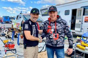 Мартин ван ден Бринк, Mammoet Rallysport, и Томаш Оуредничек, Ultimate Dakar