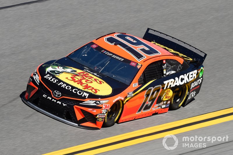 15. Martin Truex Jr., Joe Gibbs Racing, Toyota Camry Bass Pro Shops
