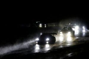 #31 Frikadelli Racing Team Porsche 911 GT3 R: Dennis Olsen, Mathieu Jaminet, Nick Tandy