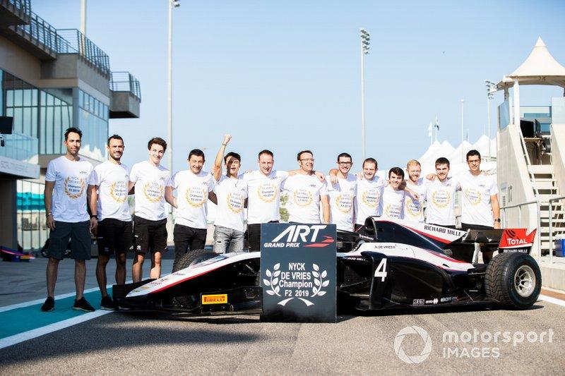 ART Grand Prix celebra la victoria del campeonato de pilotos de FIA Fórmula 2 con Nyck De Vries, ART Grand Prix