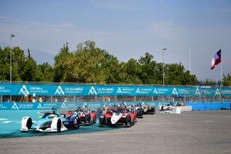 Оливер Тёрви, NIO 333 FE Team, NIO FE-005, и Фелипе Масса, Venturi Racing, Mercedes-Benz EQ Silver Arrow 01