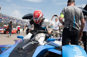 Maximilian Günther, BMW I Andretti Motorsports climbs out of his BMW iFE.20 on the grid