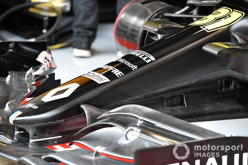 Nose and bodywork detail of Esteban Ocon, Renault F1 Team R.S.20