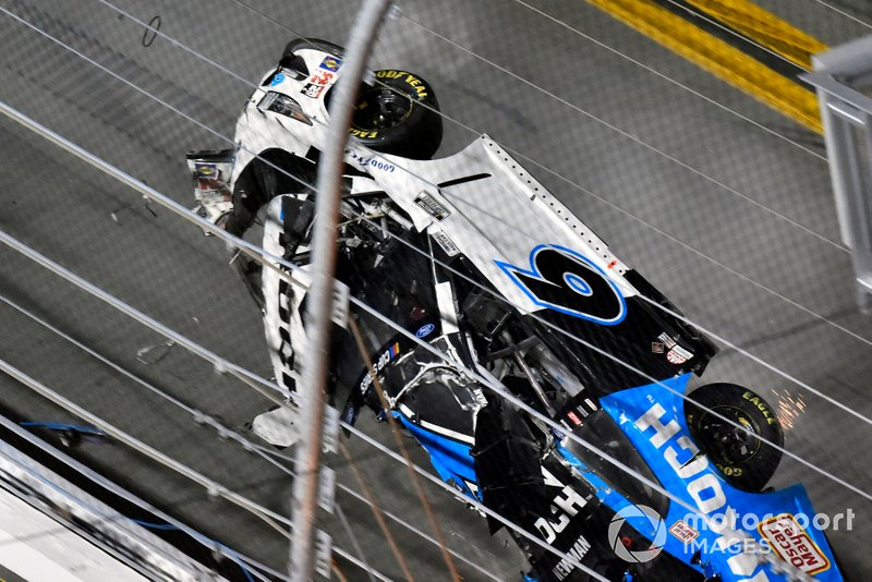 El accidente de Ryan Newman, Roush Fenway Racing, Ford Mustang Koch Industries