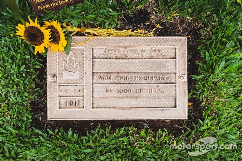 La lápida de Ayrton Senna