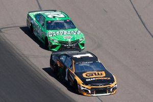 Kurt Busch, Chip Ganassi Racing, Chevrolet Camaro GEARWRENCH, Erik Jones, Joe Gibbs Racing, Toyota Camry Interstate Batteries