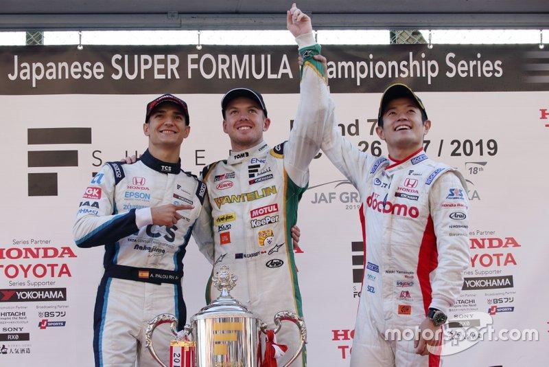 Наоки Ямамото, DoCoMo Team Dandelion Racing, Ник Кэссиди, Vantelin Team TOM'S, и Алекс Палоу, TCS Nakajima Racing