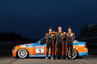 #1 BMW 325i: Danny Brink, Philipp Leisen, Christopher Rink