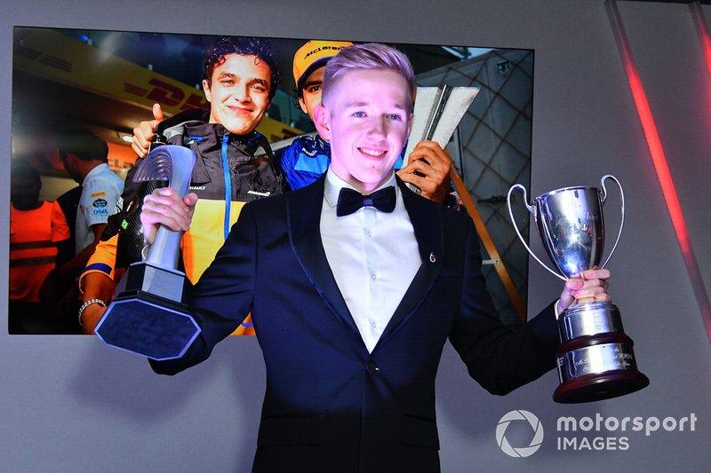 Johnathan Hoggard gana el Premio al Joven Británico del año