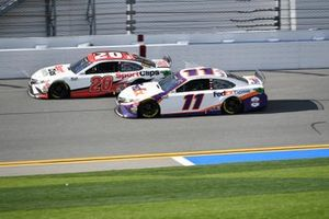 Erik Jones, Joe Gibbs Racing, Toyota Camry Sports Clips, Denny Hamlin, Joe Gibbs Racing, Toyota Camry FedEx Express