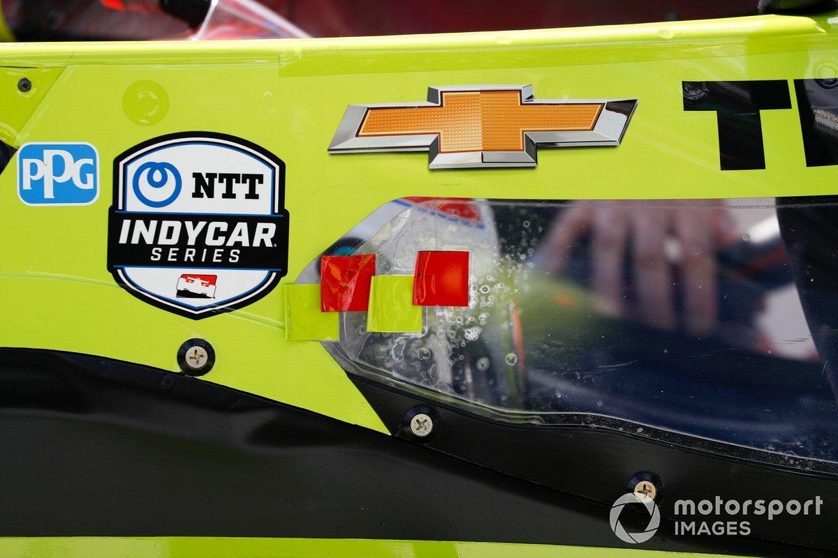Charlie Kimball, A.J. Foyt Enterprises Chevrolet, NTT Logo
