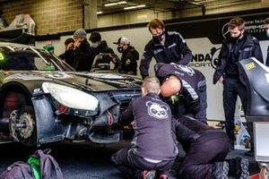 #90 Madpanda Motorsport Mercedes-AMG GT3: Patrick Assenheimer, Ezequiel Perez Companc, Ricardo Sanchez, Puhakka Juuso