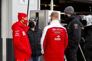 Sebastian Vettel, Ferrari, Norbert Vettel, Father of Sebastian Vettel, Ferrari, Mick Schumacher, Alfa Romeo and Toto Wolff, Executive Director (Business), Mercedes AMG