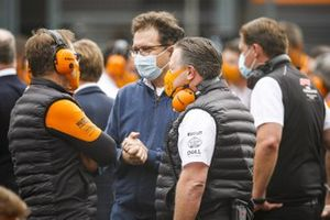 Andreas Seidl, Team Principal, McLaren, and Zak Brown, CEO, McLaren Racing, on the grid