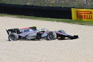 Luca Ghiotto, Hitech Grand Prix enters the gravel in race 2
