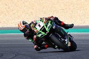 Jonathan Rea, Kawasaki Racing Team almost slips off the bike