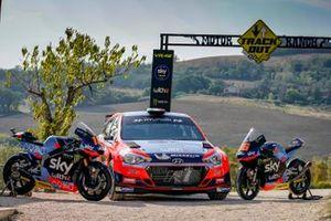 Le moto di dello SKY Racing Team VR46 e la Hyundai I20, della Hyundai Motorsport