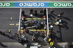 Lewis Hamilton, Mercedes F1 W11, makes a stop