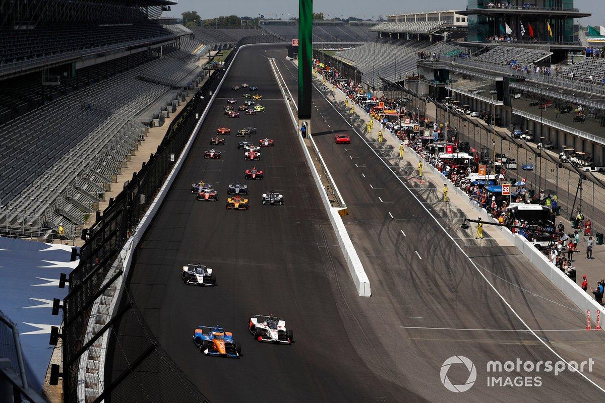 Scott Dixon, Chip Ganassi Racing Honda, Marco Andretti, Andretti Herta Marco & Curb-Agajanian Honda lidera en la salida