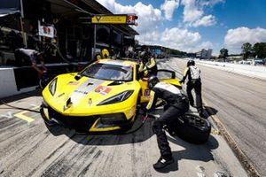 Arrêt au stand #3 Corvette Racing Corvette C8.R, GTLM: Antonio Garcia, Jordan Taylor