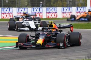 Alex Albon, Red Bull Racing RB16, Daniil Kvyat, AlphaTauri AT01