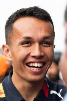 Alexander Albon, Red Bull Racing parla con i media