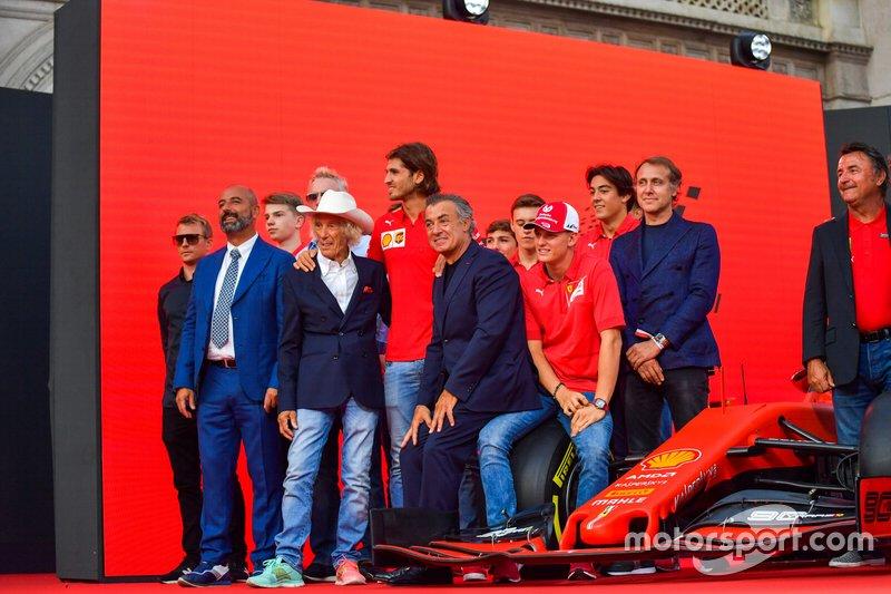 Kimi Räikkönen, Alfa Romeo, Ivan Capelli, Arturo Merzario, Antonio Giovinazzi, Jean Alesi, Mick Schumacher, Luca Badoer y René Arnoux