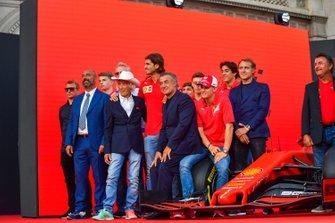 Kimi Räikkönen, Alfa Romeo, Ivan Capelli, Arturo Merzario, Antonio Giovinazzi, Jean Alesi, Mick Schumacher, Luca Badoer, e René Arnoux