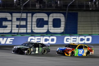 Kurt Busch, Chip Ganassi Racing, Chevrolet Camaro Monster Energy and Kyle Busch, Joe Gibbs Racing, Toyota Camry M&M's Toyota Camry