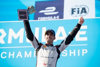 Sébastien Buemi, Nissan e.Dams, celebrates on the podium