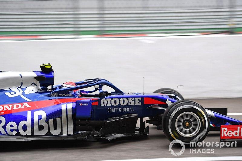 16: Pierre Gasly, Toro Rosso STR14, 1'33.950 (5 posiciones de sanción)