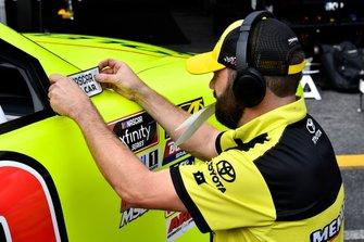 Brandon Jones, Joe Gibbs Racing, Toyota Supra Menards/SoleusAir crew