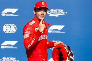 Charles Leclerc, Ferrari, fête sa pole position