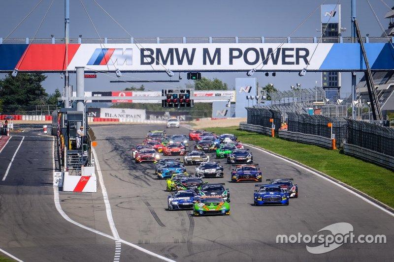 Partenza di gara 1 a Nürburgring
