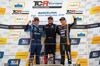 Podium: Race winner Julien Briché, JSB Compétition Peugeot 308 TCR, second place Andreas Bäckman, Target Competition Hyundai i30 N TCR, third place Santiago Urrutia, Team WRT Audi RS 3 LMS
