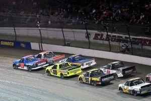 Stewart Friesen, Halmar Friesen Racing, Chevrolet Silverado Halmar International and Matt Crafton, ThorSport Racing, Ford F-150 Ideal Door/Menards