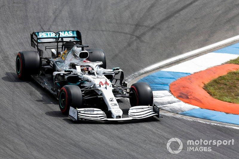 1: Lewis Hamilton, Mercedes AMG F1 W10, 1'11.767