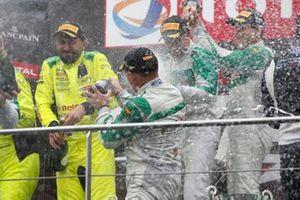 1. Am: #33 Rinaldi Racing Ferrari 488 GT3: Hendrik Still, Christian Hook, Manuel Lauck, Alexander Mattschull