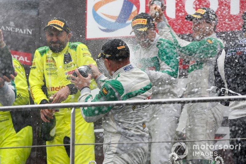 Podium: Winner #33 Rinaldi Racing Ferrari 488 GT3: Hendrik Still, Christian Hook, Manuel Lauck, Alexander Mattschull