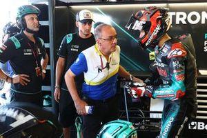 Fabio Quartararo, Petronas Yamaha SRT, mit Reifeningenieur von Michelin