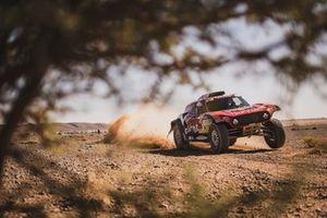 #301 X-Raid Team Mini JCW Team: Stéphane Peterhansel, Andrea Peterhansel