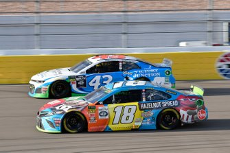 Kyle Busch, Joe Gibbs Racing, Toyota Camry M&M's Hazelnut, Darrell Wallace Jr., Richard Petty Motorsports, Chevrolet Camaro Victory Junction