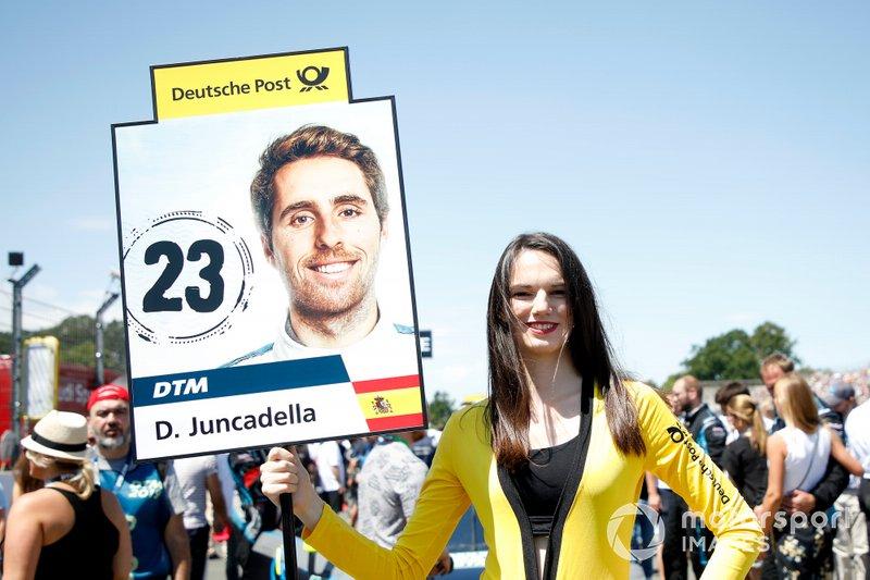 La grid girl di Daniel Juncadella, R-Motorsport