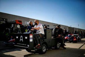Juan Pablo Montoya, Arrow McLaren SP Chevrolet crew