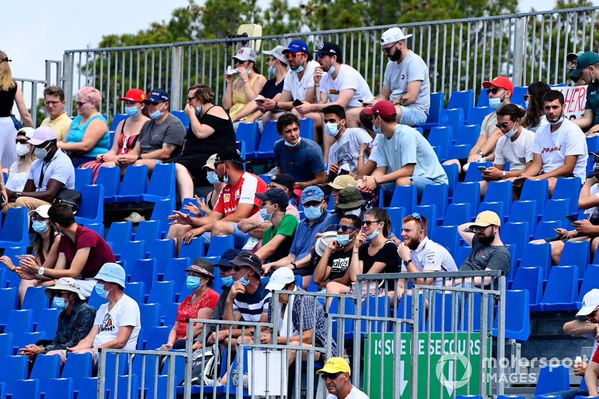 Fans en el GP de Francia de F1