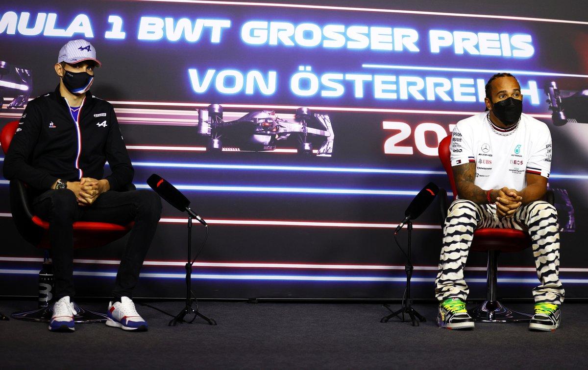 Esteban Ocon, Alpine F1 and Sir Lewis Hamilton, Mercedes